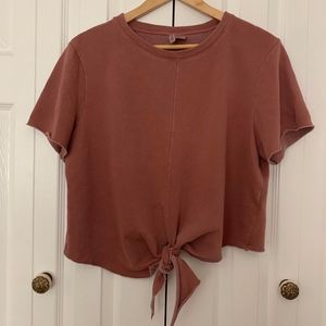 H&M Tops - H&M Cropped Tie Front Top